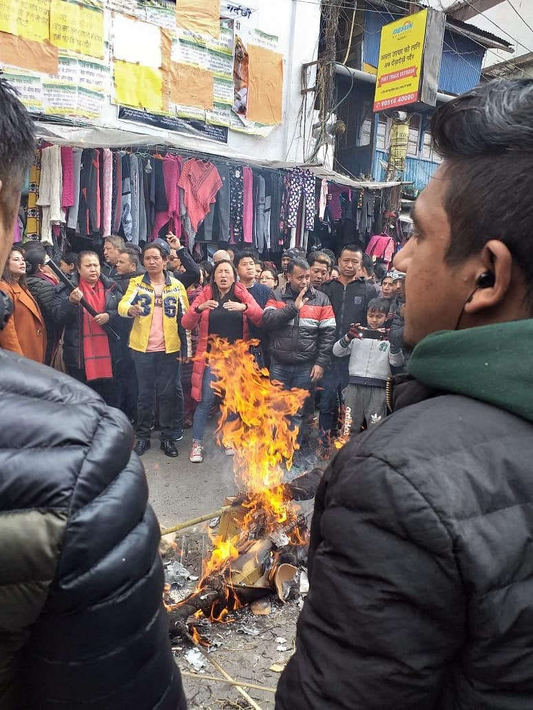 The Binay Tamang faction of the Gorkha Janmukti Morcha protesting against the BJP over the CBI episode, in Darjeeling on Monday