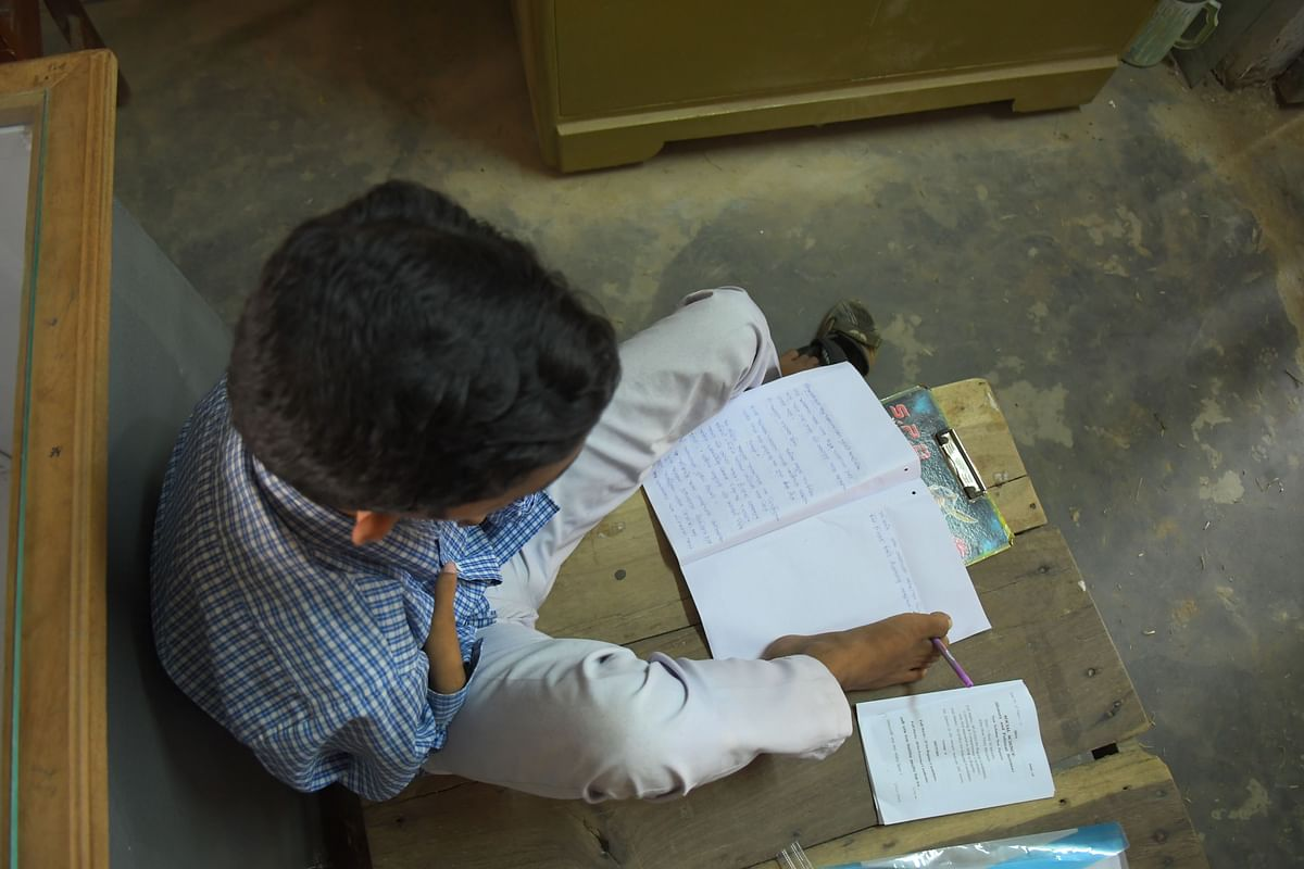 Pralay Dey wants to enrol in the Arts stream to hone up his dream of becoming a professor of English
