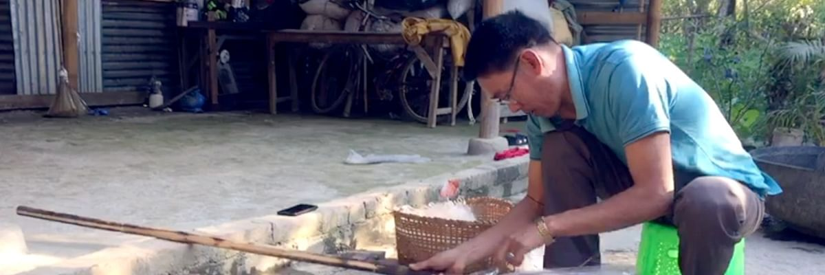This Manipur man makes brooms out of used plastic bottles!