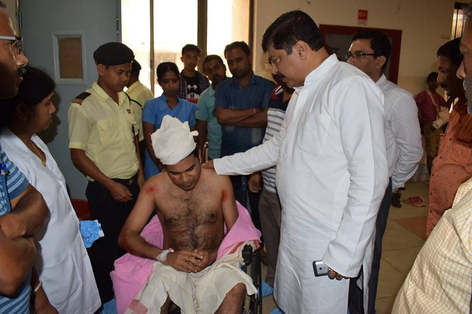 Health minister Sudip Roy Barman visits the hospital to check on Dr Dipankar Debnath, who was attacked by the family members of a deceased woman blaming him for negligence on Thursday