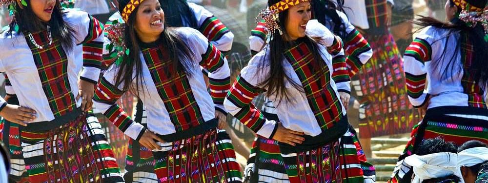 Mizo girls performing Cheraw dance