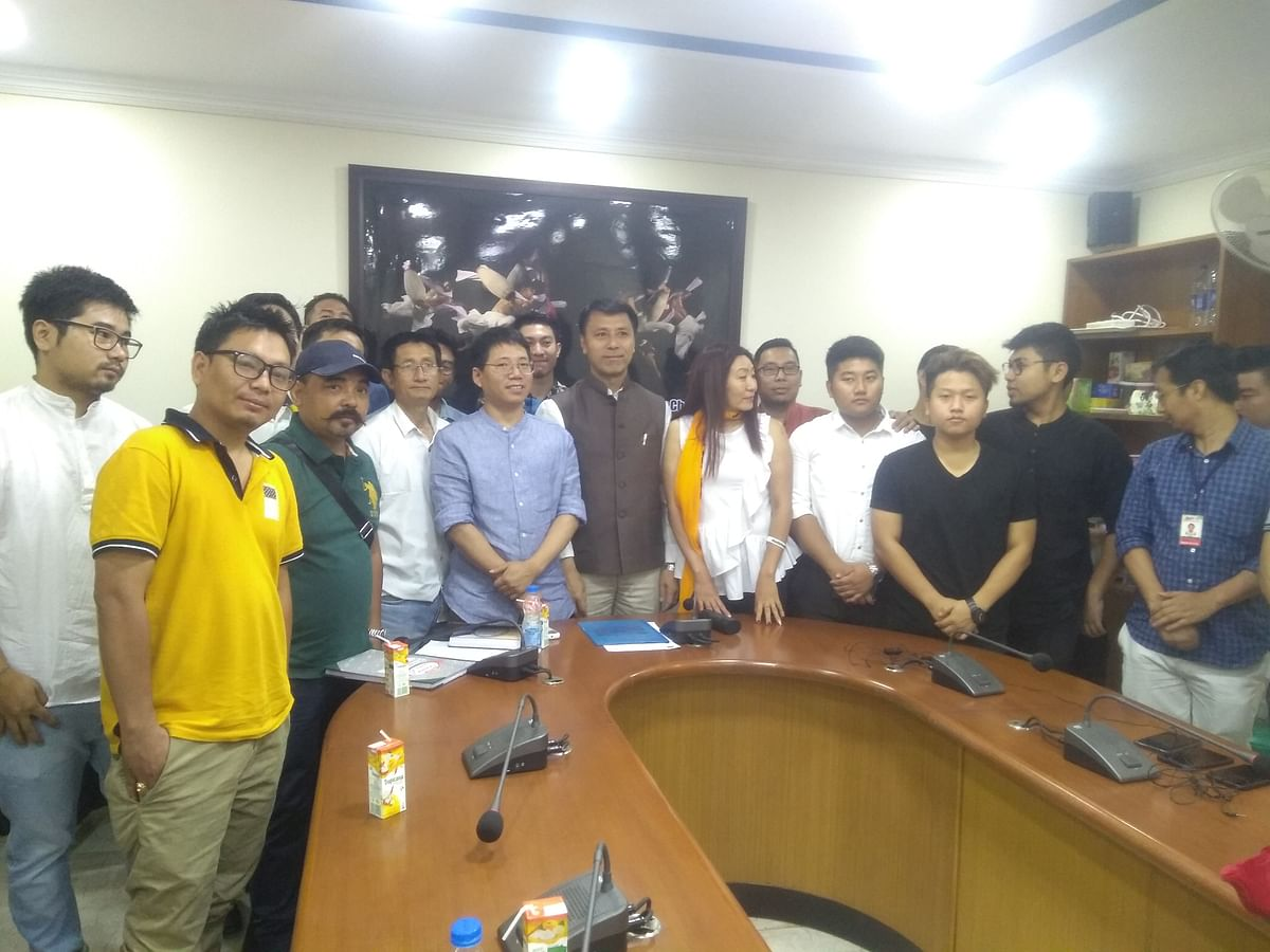 Singh with representatives of Manipur student bodies and civil society in New Delhi