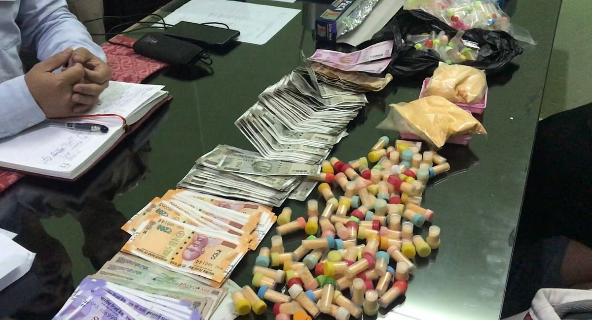 Drugs worth Rs 3 lakh, cash and mobile phones, were seized from the accused
