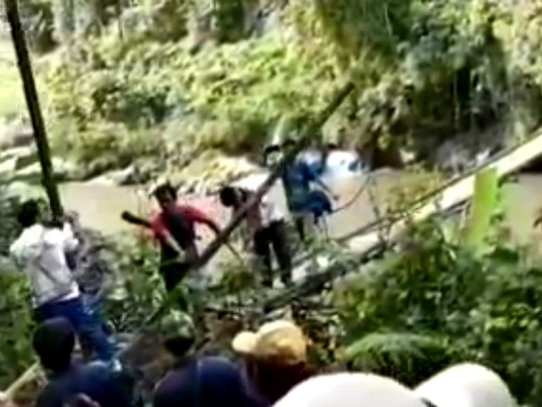 Watch: How Arunachal 'BJP goons' cut off lone access to poll booth