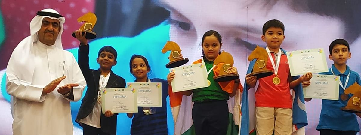 Arshiya Das (third from right) after winning the gold medal in Uzbekistan