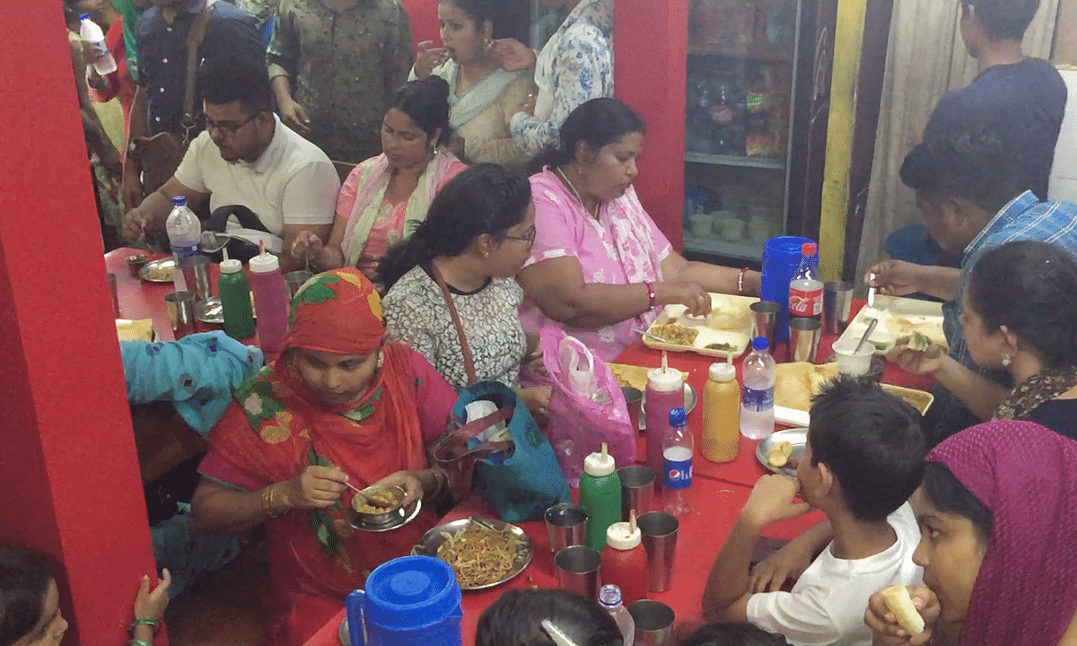 This Hindu ex-Army officer's eatery serves free Iftar in Assam