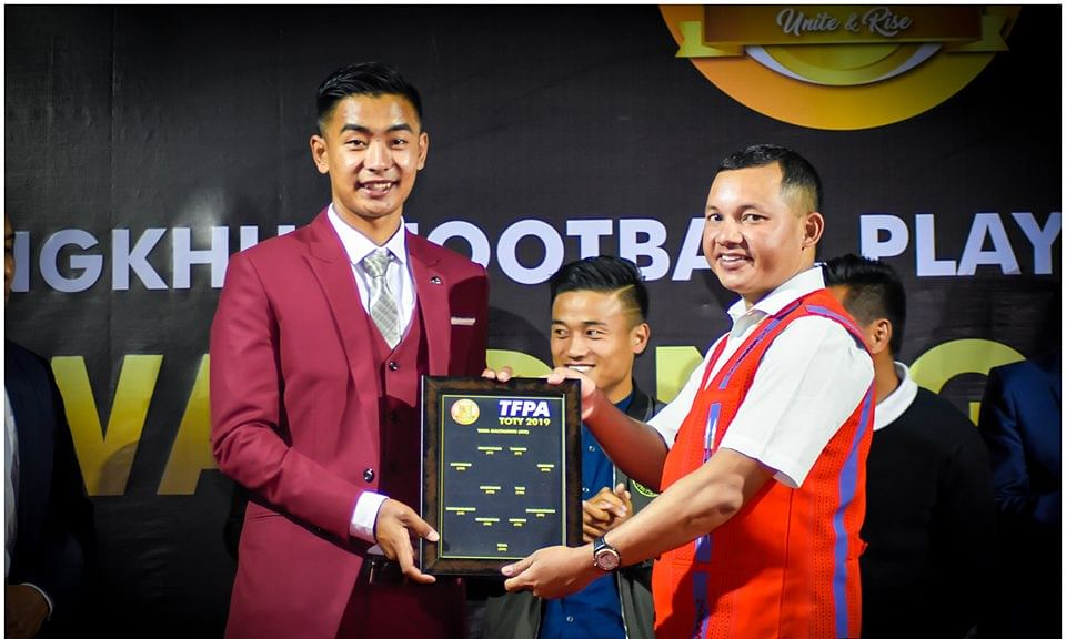 Manipur: Ukhrul holds award night to felicitate star footballers