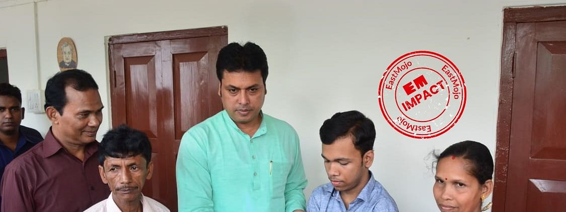 Tripura chief minister Biplab Kumar Deb with Pralay Dey and his parents after meeting them personally on Monday