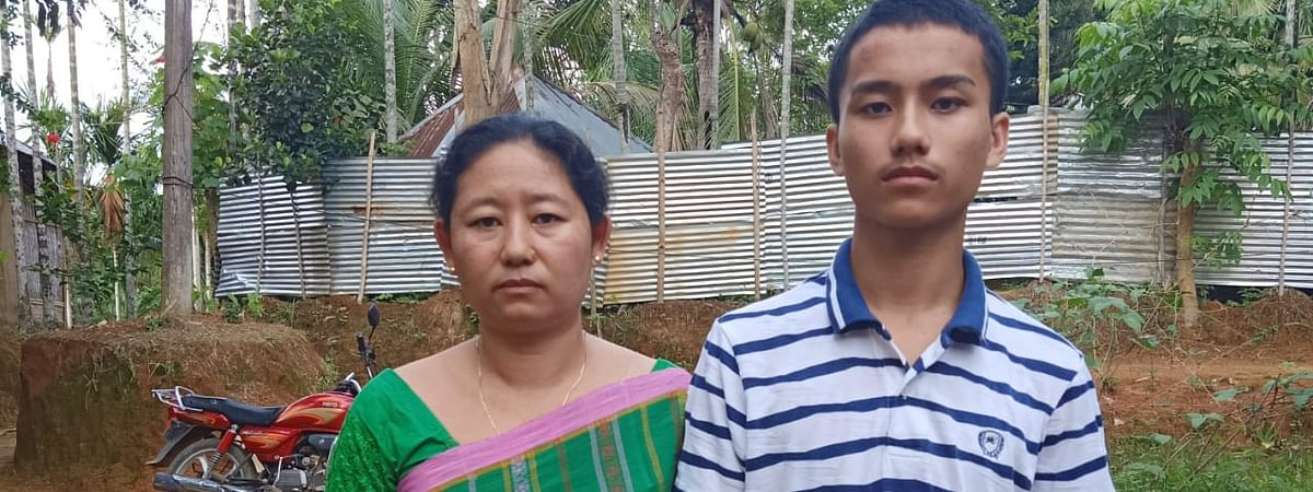 Shyamali Chakma (35) with her son Gunamoy (18) (right)