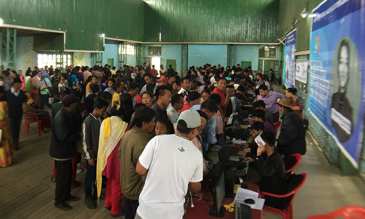 Manipur: Ukhrul locals throng Townhall for free healthcare schemes