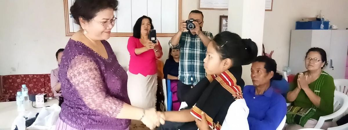 Eleven-year-old Caroline Malsawmtluangi being honoured in Aizawl, Mizoram on Monday