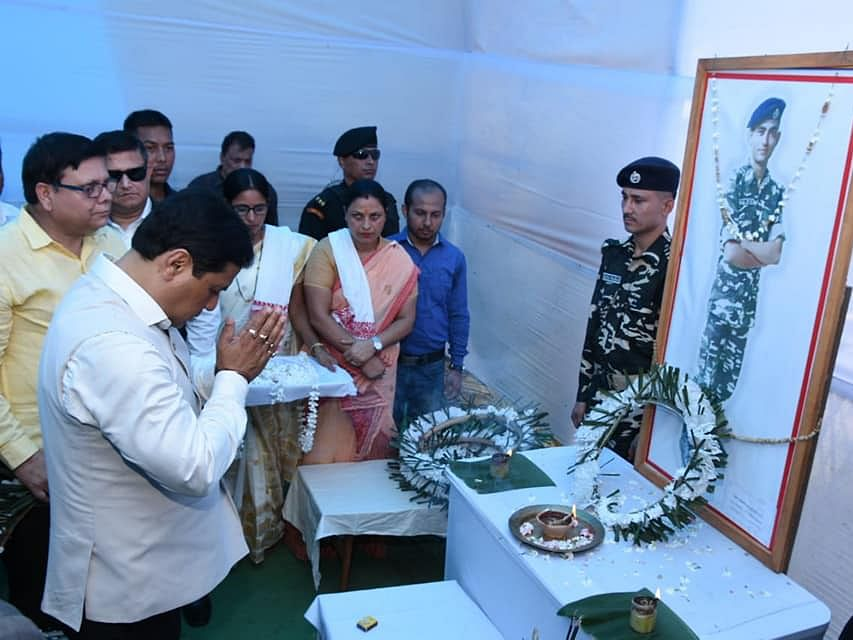 Assam CM pays tribute to SSB martyr, offers Rs 20L cheque to kin