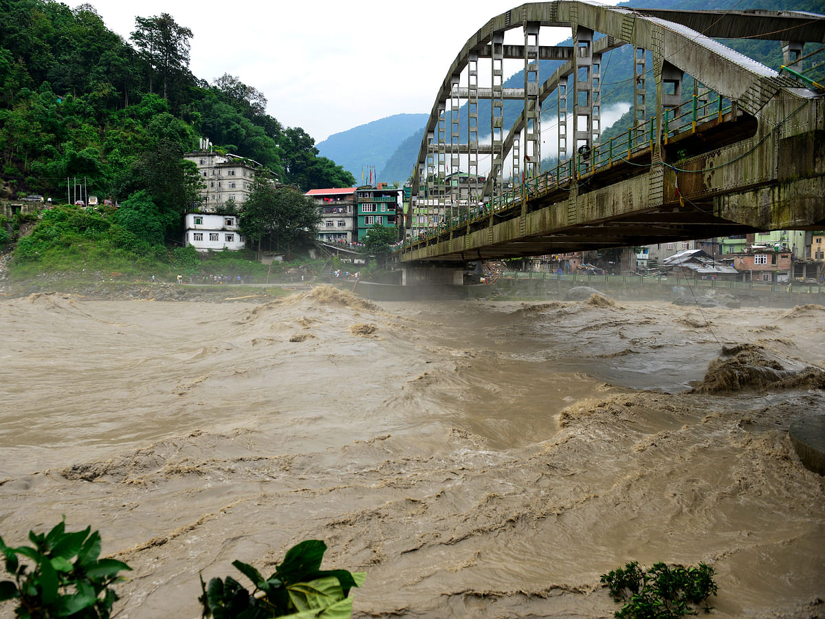 Sikkim cloudburst: Teesta water levels recede, but alert still on