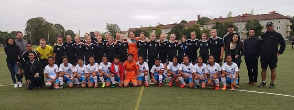 SC Nagaland girls pose with Vastera BK30 team members and other officials ahead of their match in Sweden