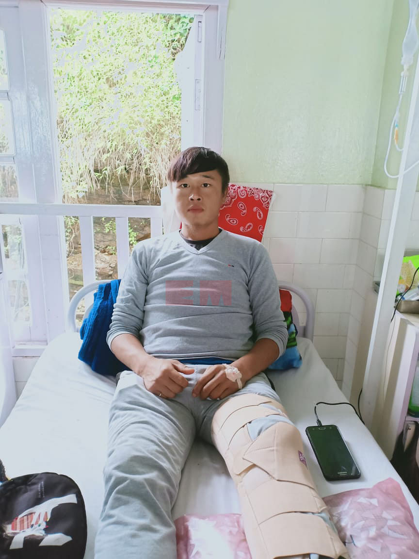 Lalrinkimi's brother, Lalrohlua Vanchhawng (30), also hurt his left leg in the building collapse near Aizawl, Mizoram on Tuesday evening