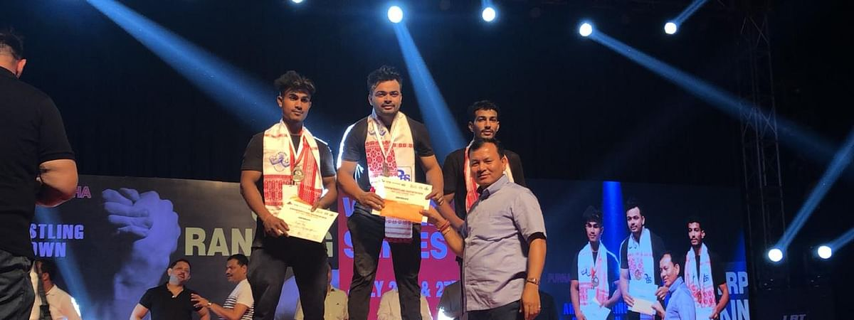Dibrugarh youth Monoj Leen Debnath is currently ranked 4th in Asian rankings and 6th in world rankings in armwrestling