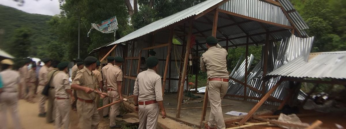 An eviction drive being carried out at Guigailong in Manipur's Imphal West district