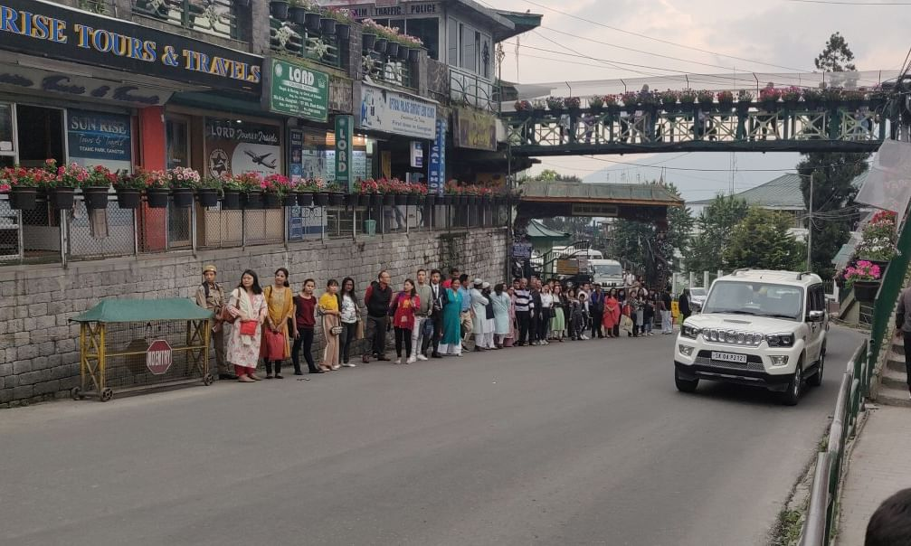 Sikkim: Taxi drivers protest traffic dept's move to remove stops