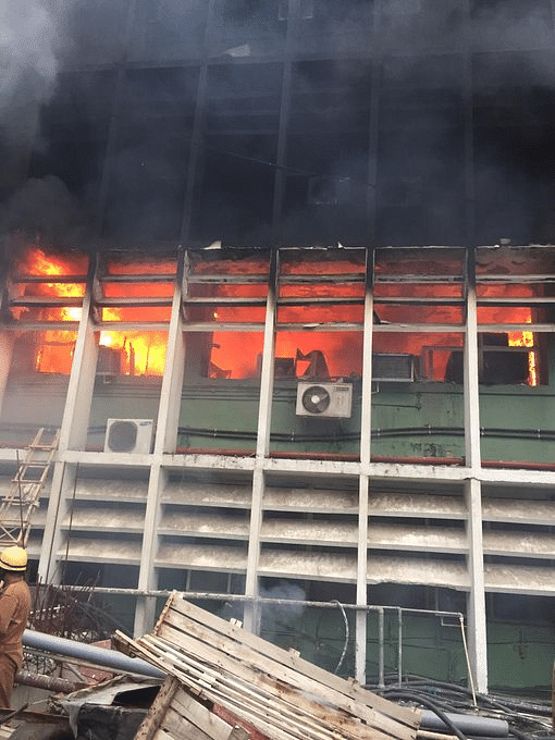BREAKING: Massive fire breaks out at AIIMS in New Delhi | LIVE