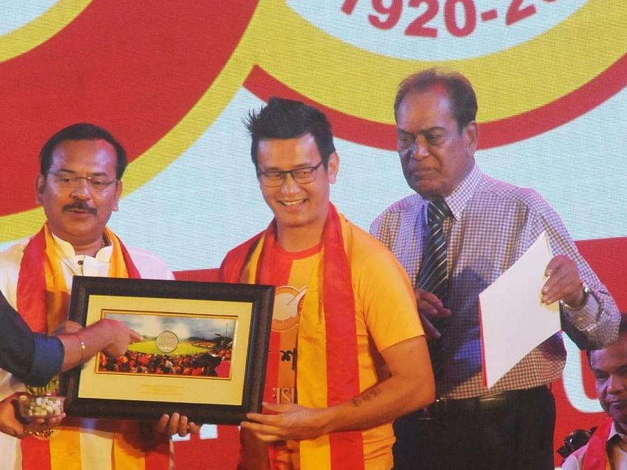 Bhaichung Bhutia receives special award from East Bengal FC