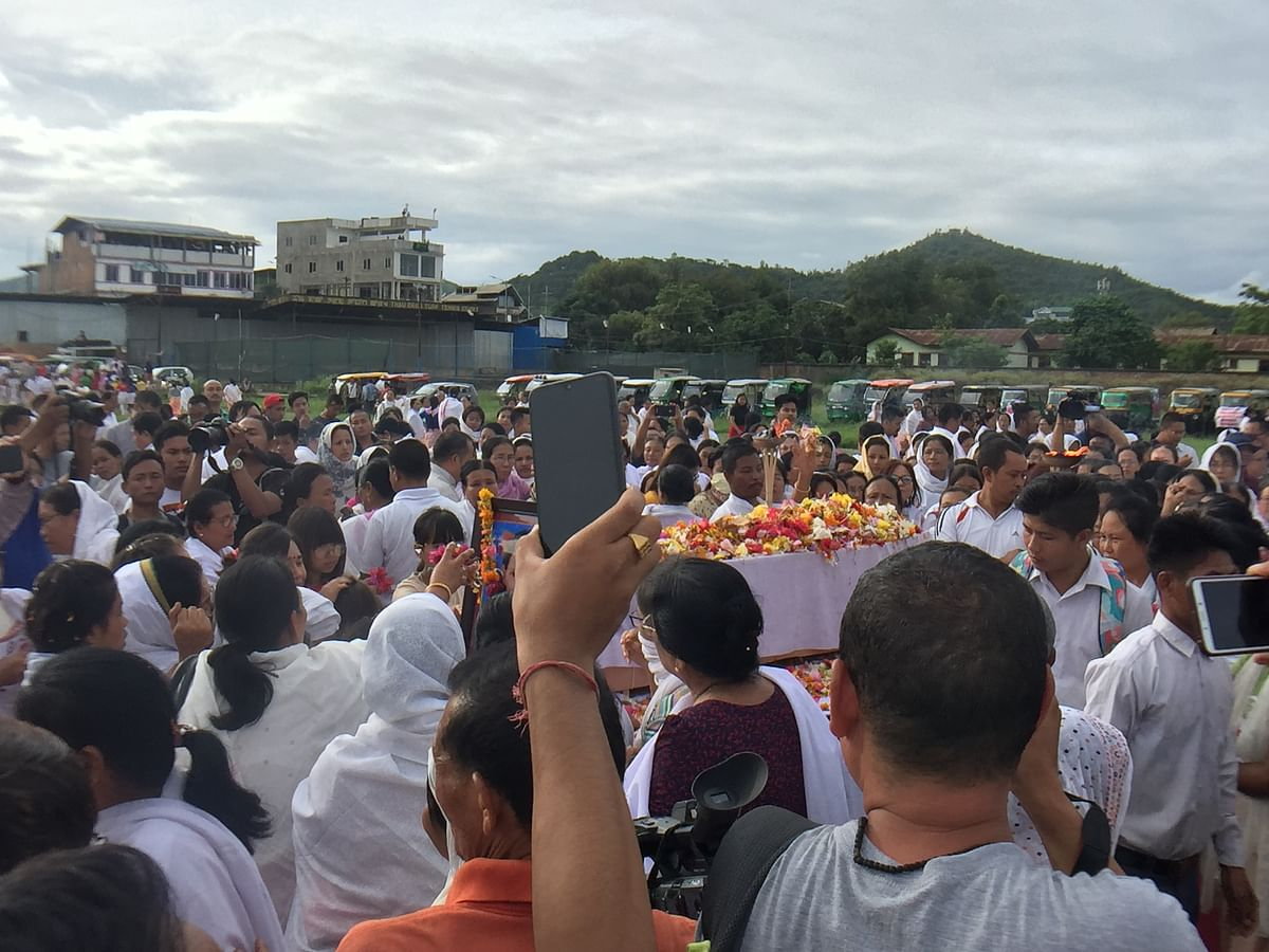 A huge number of people converged at the THAU ground in Imphal to pay their tribute to Babysana who was mysteriously found dead on July 18
