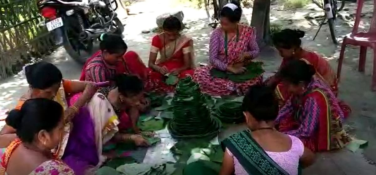 Gorkha community women preparing  eco-friendly plates and bowls to fight single-use plastics use