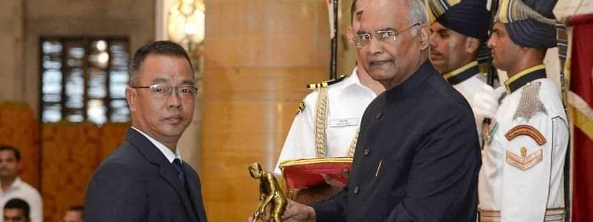 Ace Indian archer from Mizoram C Lalremsanga receiving the Dyand Chand Award from President Ram Nath Kovind at Rashtrapati Bhavan in New Delhi