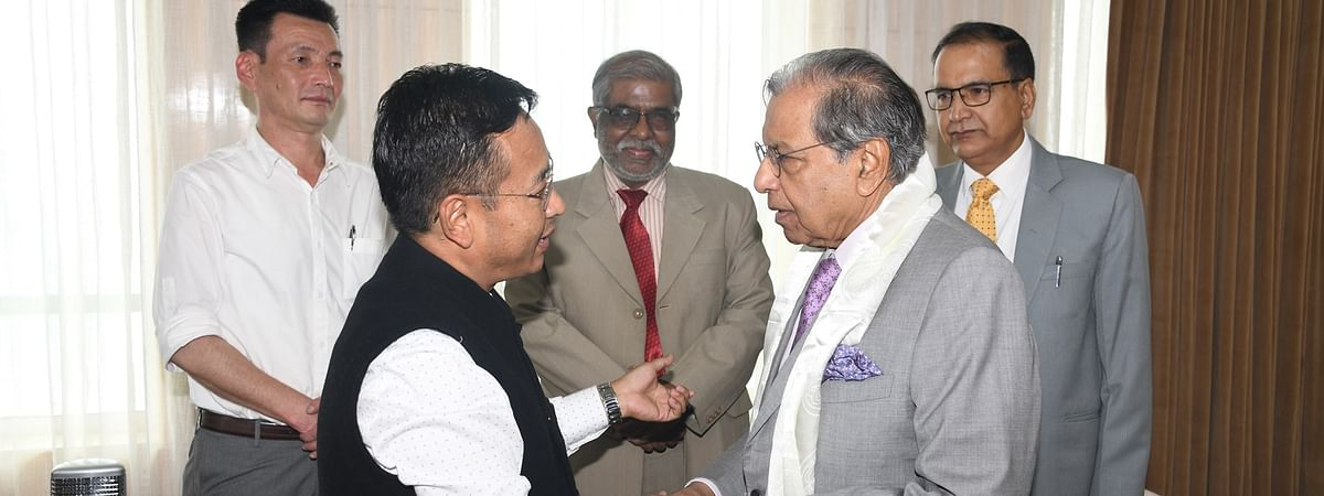 15th Finance commission chairperson NK Singh (right) with Sikkim chief minister PS Golay