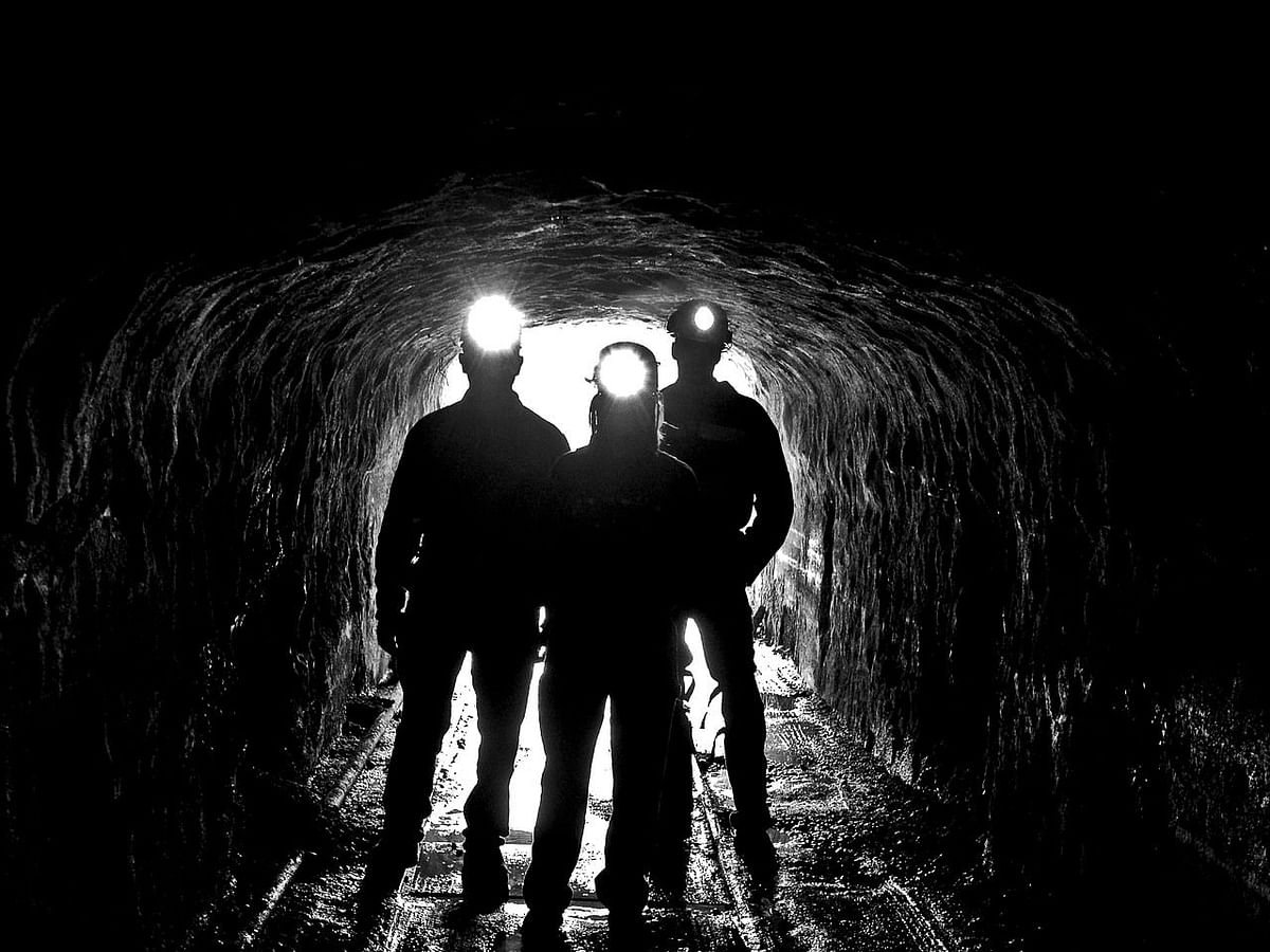 West Bengal: 3 trapped inside illegal coal mine, rescue ops on
