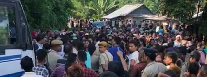 A large crowd of Bru women blocked officials and bus convoys of Mizoram government at Naisingpara in North Tripura on Monday