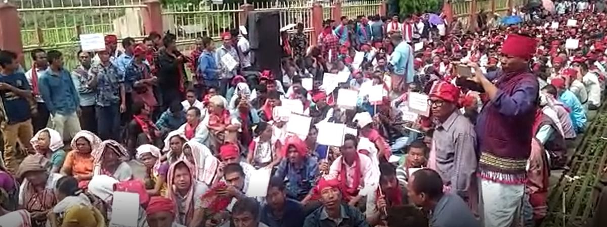 Village headmen came out in large numbers to protest at the Semson Sing Ingti Memorial Park in Diphu, Karbi Anglong