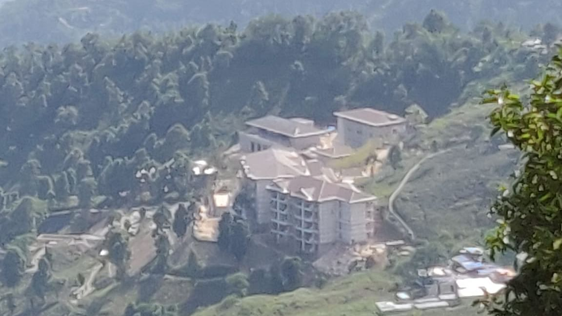 Massive structure coming up in Makaibari Tea Estate in West Bengal, which is apparently being constructed in collaboration with the Taj Group of Hotels