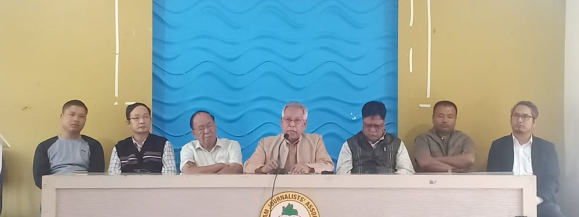 Senior leaders of Mizoram unit of the Congress party took part in an agitation against the failure of the state government in fulfilling the expectations of the masses