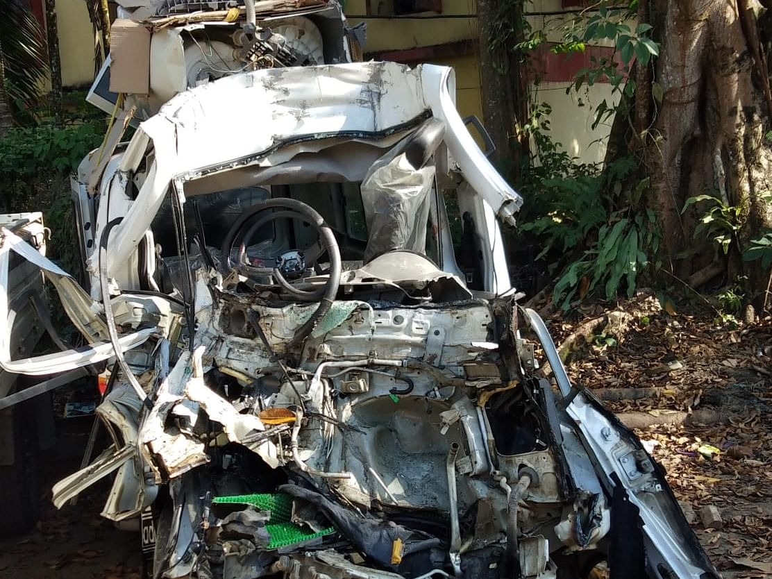 Assam: 4 dead, several injured in head-on collision in Tinsukia