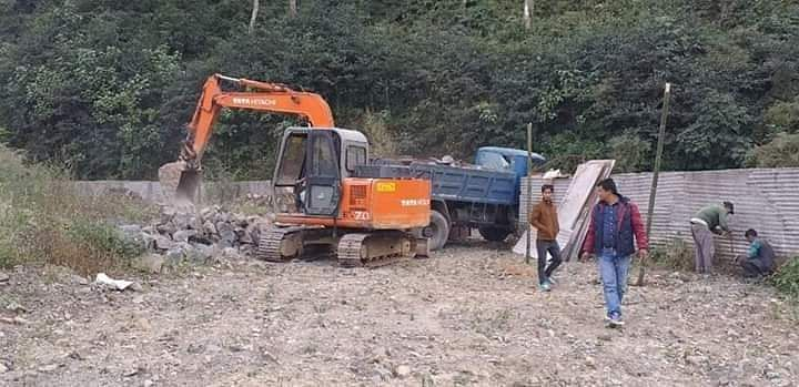 Locals claimed that the burial ground was already desecrated due to the dumping of excavated mud from the road widening work there