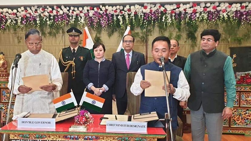 Sikkim governor Ganga Prasad administering fresh oath of office and secrecy to CM PS Golay at a formal ceremony held in Sikkim House, New Delhi on Saturday evening