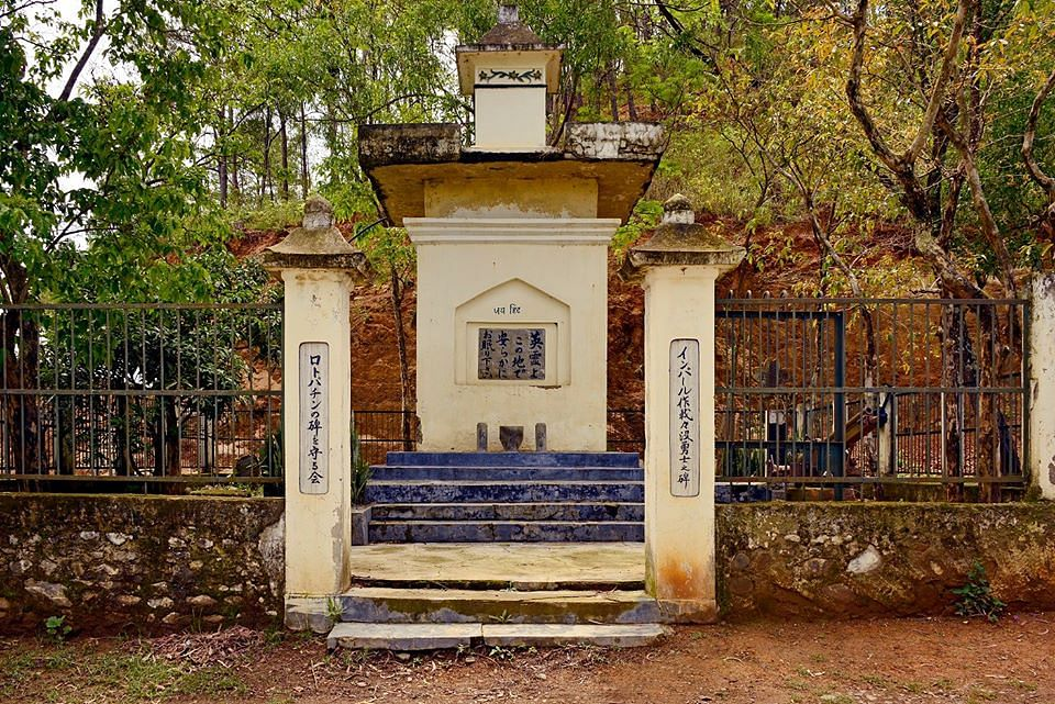 A visit to Red Hill Lokpaching would be an ideal choice as it wouldn't be something that is beautiful but a moment that would make you relive the historic past