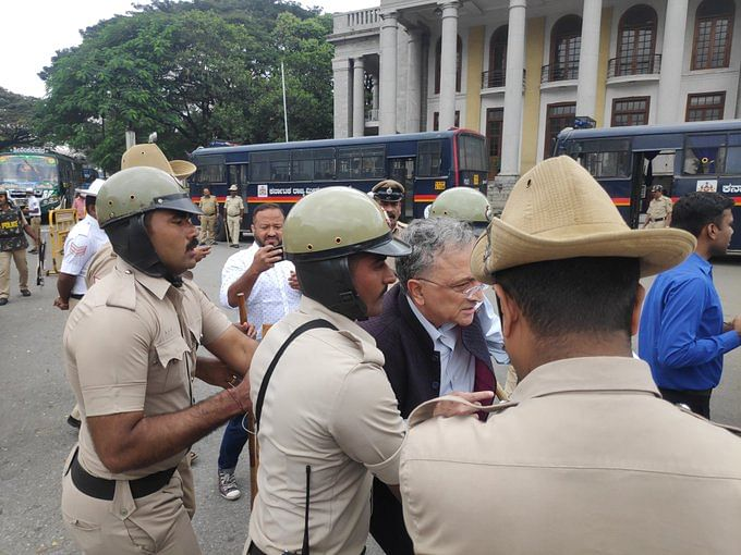 Historian Ramachandra Guha detained in Bengaluru amid CAA protests