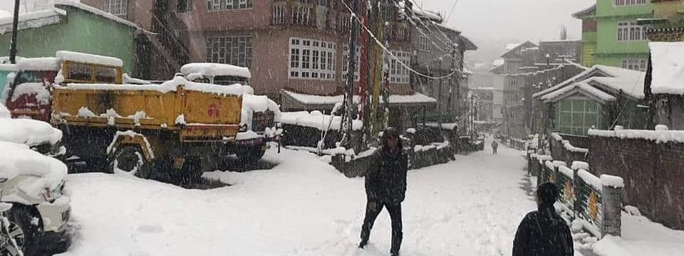 Heavy snowfall has been reported from Lachen and Lachung areas of North Sikkim