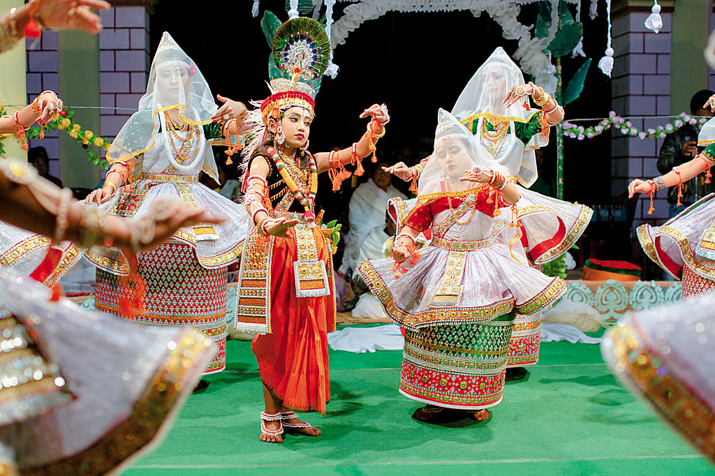 One can enjoy spectacular performances of dance, music and sports of Manipur and exhibitions of local handicrafts and food