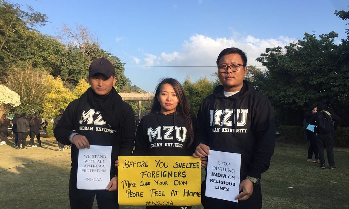 Mizoram University students urge Centre to scrap Citizenship Act