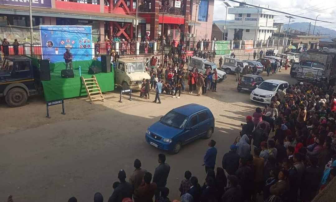 Manipur: Roadshow on traffic rules & road safety in Ukhrul
