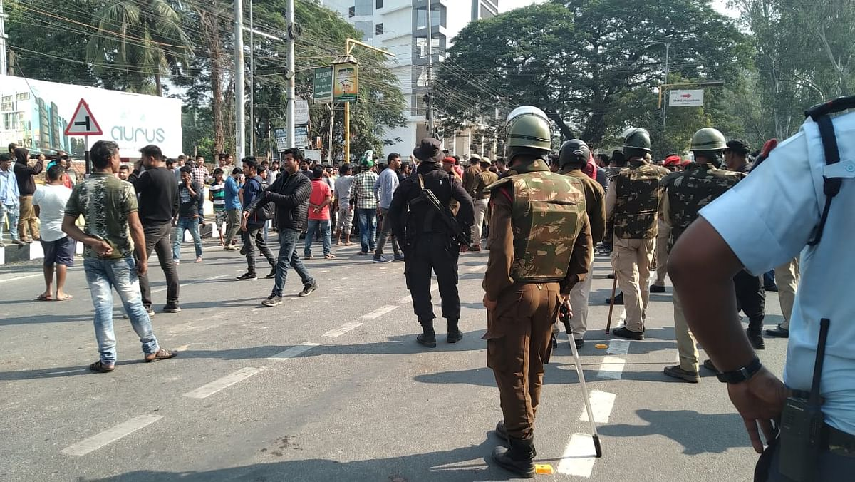 CAB protests: Assam BJP prez & senior ministers attacked | LIVE