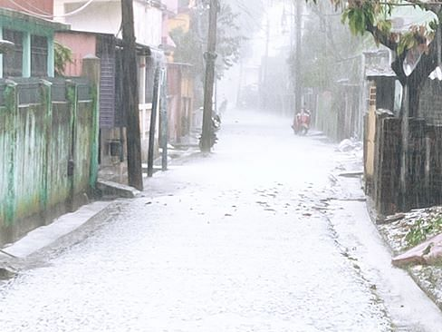 IN PHOTOS: Mercury drops, Siliguri covered in white sheet of hail