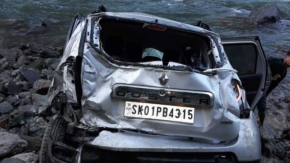 Sikkim: Car plunges into river along NH-10; body recovered