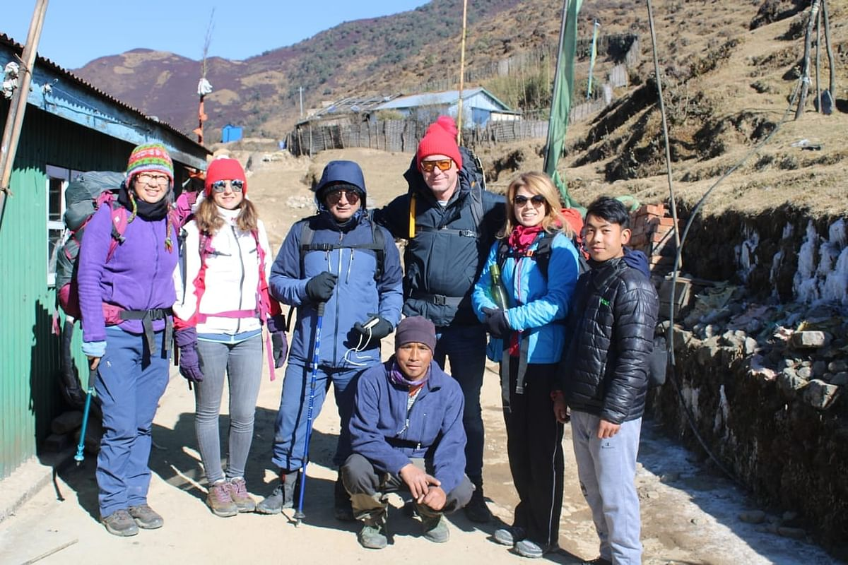 Relimai trekkers all set for the steep 6-km uphill trek from Kalpokhari to Sandakphu
