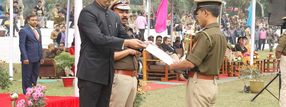 Best policemen awards and trophies' were also distributed under different categories during the ceremony