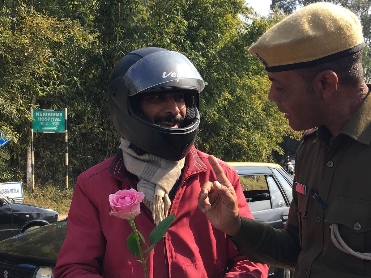 Meghalaya: Cops gift red roses to traffic violaters in Shillong