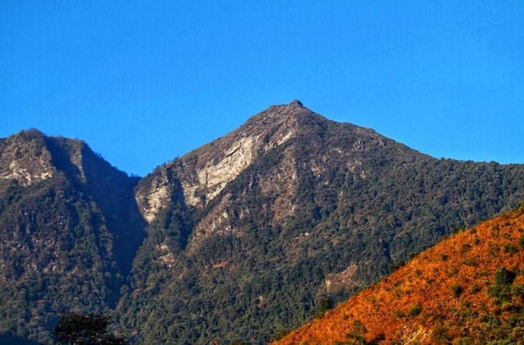 About 15 km south of Kohima, Japfü peak offers a memorable climb due to its tough terrain