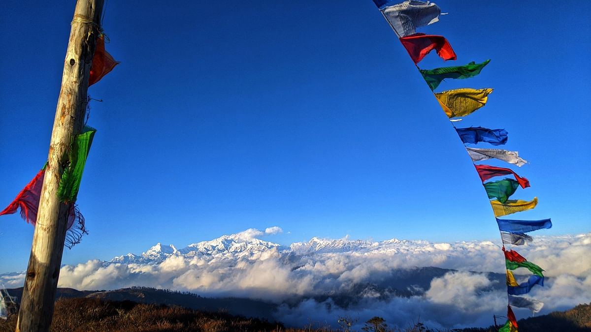 Sandakphu is the place from where you get a 180-degree panoramic view of some of the highest and most beautiful peaks of the world. Four of the five highest peaks in the world, Everest, Kangchenjunga, Lhotse and Makalu, can be seen from its summit